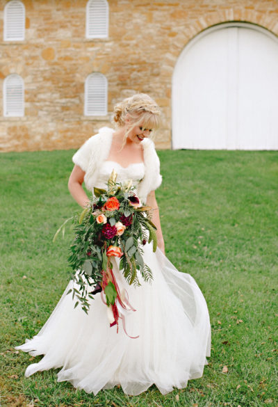 Events-by-Reagan_Leigh-Miller-Photography_Taylor-Barn-Styled-Shoot0042_Kansas-City_Charleston_Destination_Wedding-Planner-1-400x585