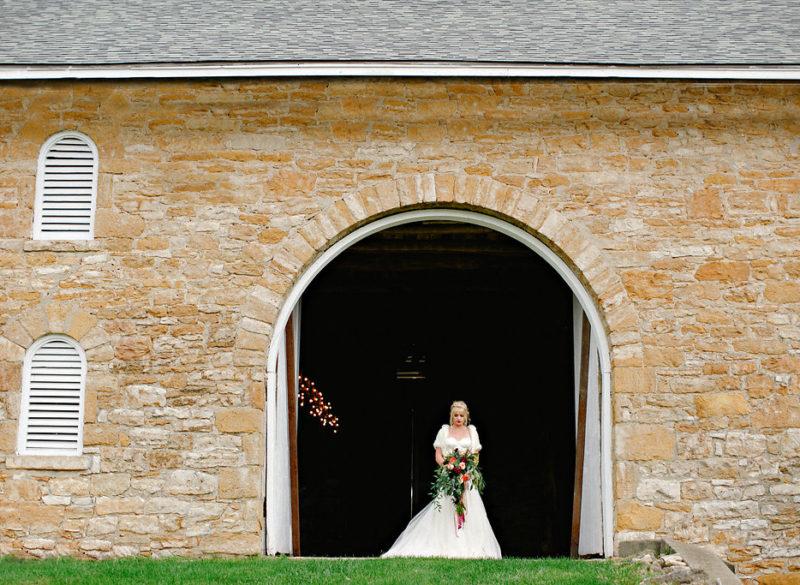 Events-by-Reagan_Leigh-Miller-Photography_Taylor-Barn-Styled-Shoot0058_Kansas-City_Charleston_Destination_Wedding-Planner-800x585