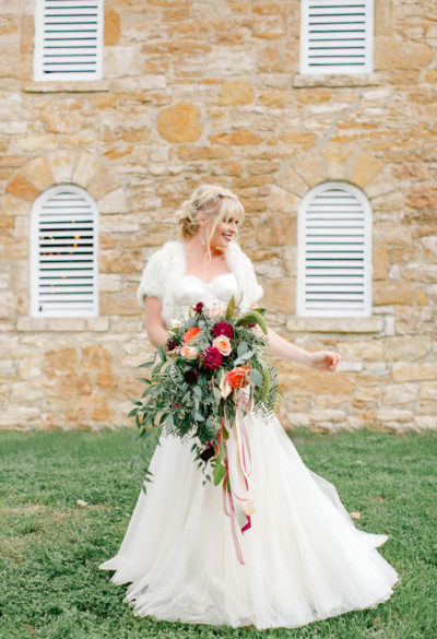 Events-by-Reagan_Leigh-Miller-Photography_Taylor-Barn-Styled-Shoot0073_Kansas-City_Charleston_Destination_Wedding-Planner-1-400x585