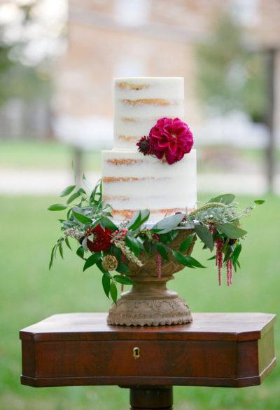 Events-by-Reagan_Leigh-Miller-Photography_Taylor-Barn-Styled-Shoot0095_Kansas-City_Charleston_Destination_Wedding-Planner-1-400x585